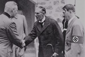 chamberlain-departiendo-con-hitler-y-otros-jerarcas-nazis