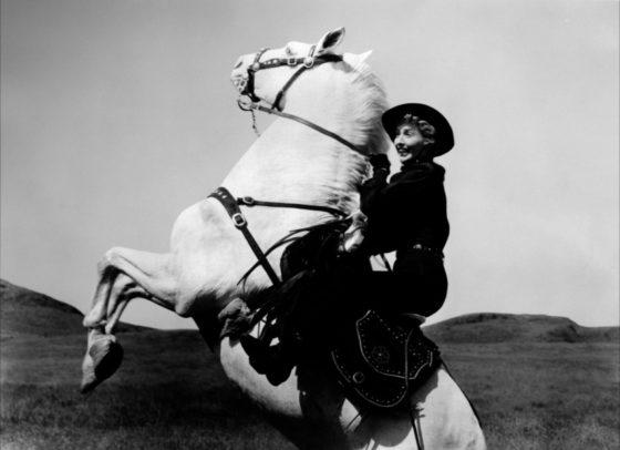 stanwyck-a-caballo