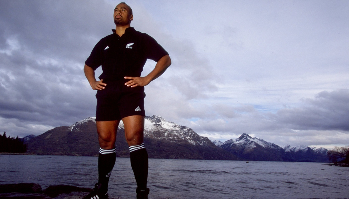 Jul 1999: Jonah Lomu of the New Zealand All Blacks in Queenstown, New Zealand. Mandatory Credit: Mark Dadswell /Allsport