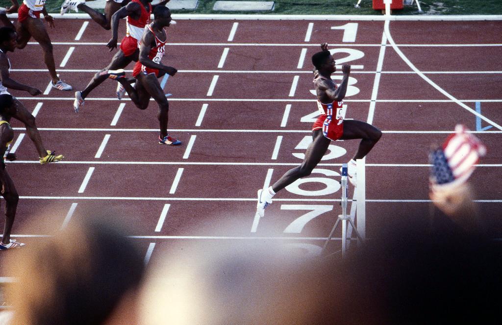 Lewis Los Angeles 100 metros